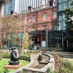 【三菱一号館美術館】東京駅から歩いてすぐ、中庭の美しいオフィス街にある美術館